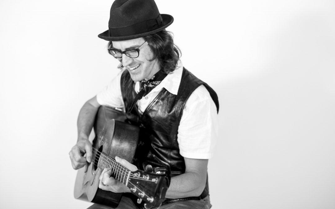 Greg Klyma (trio)